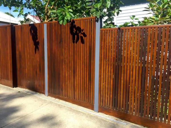 Hàng rào giả gỗ shera