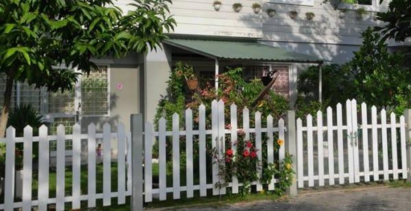 Cổng giả gỗ bằng tấm Smartwood