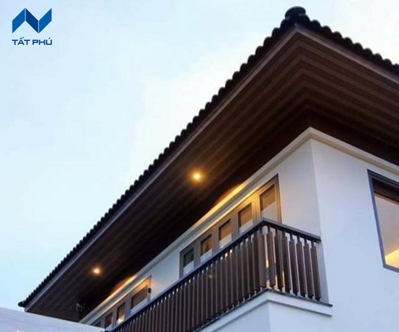 Tấm ốp trần giả gỗ mang đến diện mạo mới cho ngôi nhà bạn