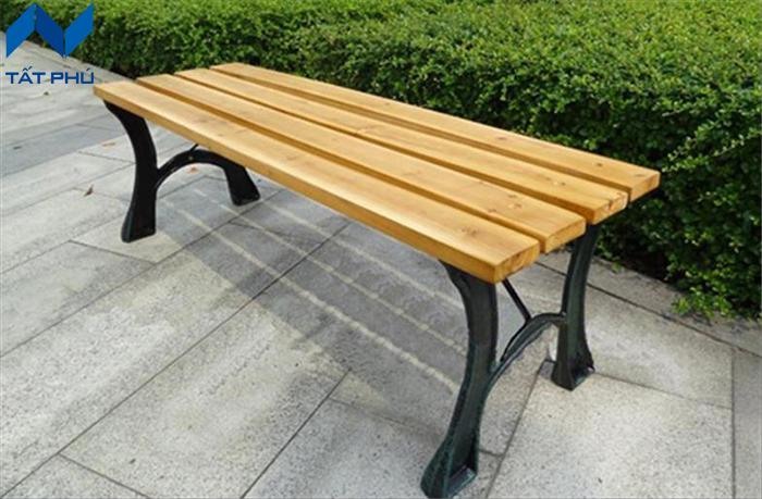 Những ưu điểm nổi trội của ghế ngồi gỗ nhựa ngoài trời.