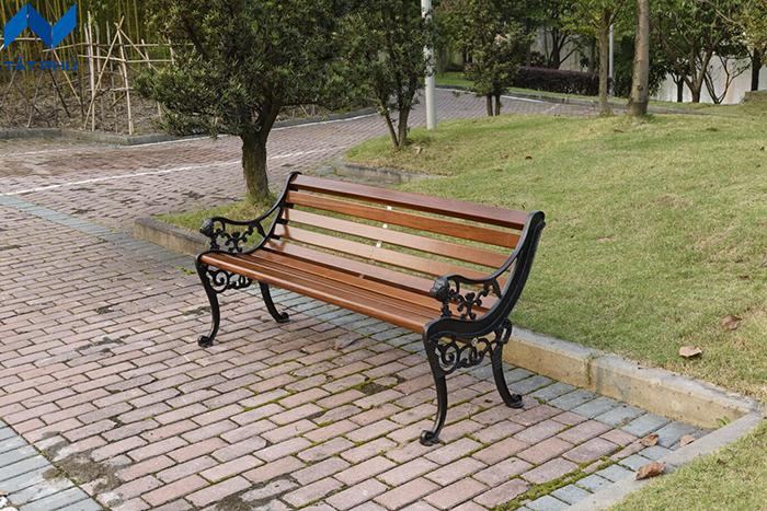 Ghế ngồi gỗ nhựa ngoài trời – Món đồ ngoại thất lí tưởng cho không gian ngôi nhà