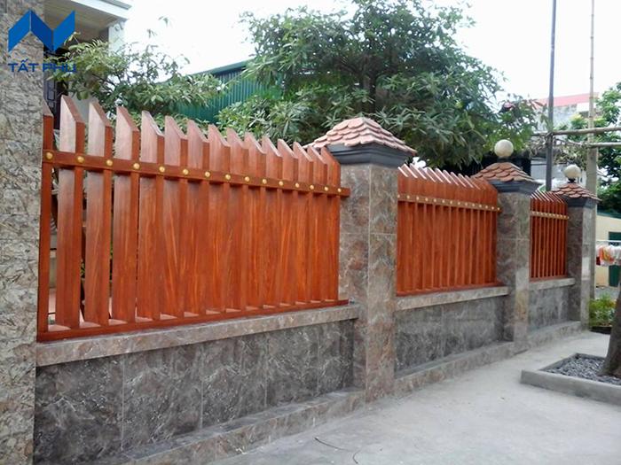 Ứng dụng thực tế của hàng rào giả gỗ.