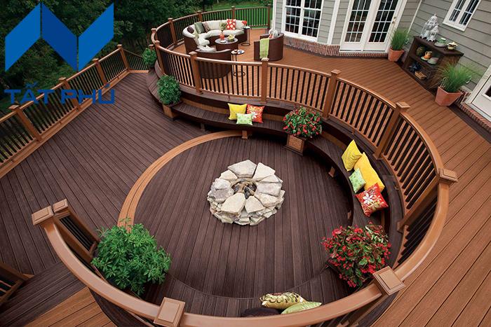 Thiết kế sân vườn đẹp lung linh bằng gỗ nhựa Composite – Vẻ đẹp không thể rời mắt