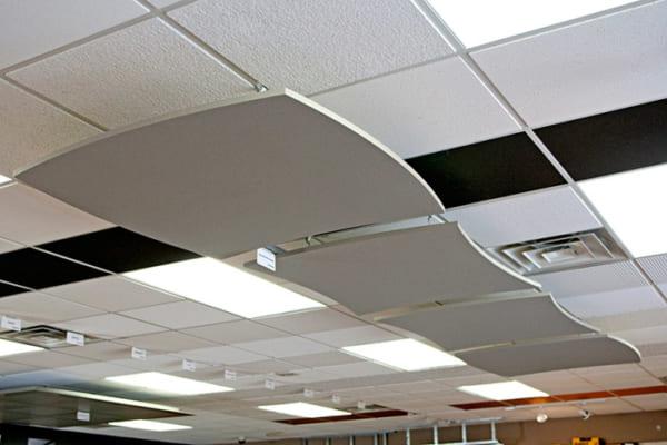 Tấm trần thả Duraflex lại có khả năng cách âm, cách nhiệt, tính dẫn nhiệt thấp