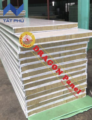 Tấm Dragon Panel là sản phẩm cách âm, cách nhiệt, chống cháy được ứng dụng vào nhiều hạng mục công trình như vách ngăn, mái.
